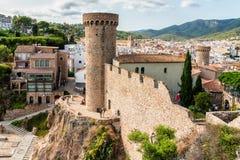 Средневековая башня городища в Косте Brava Стоковое Изображение RF