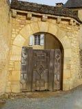 Средневековая дверь Стоковые Изображения