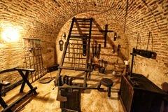 Средневековая камера пыток с множеством инструментов Стоковое фото RF