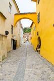 средневековая улица sighisoara Стоковая Фотография