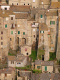 Средневековый городок Sorano в Тоскане Стоковое фото RF