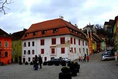 Средневековый город Sighisoara Городской ландшафт в центре города средневекового города Sighisoara, Трансильвании Стоковая Фотография RF