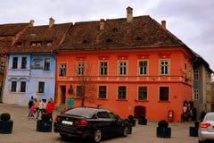 Средневековый город Sighisoara Городской ландшафт в центре города средневекового города Sighisoara, Трансильвании Стоковые Изображения RF