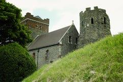 Средневековый замок Дувра на холме над Дувром Стоковые Изображения RF