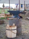 Средневековый наковальня Стоковая Фотография RF