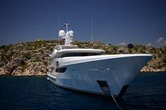 среднеземноморская королевская яхта белизны моря Стоковое Изображение RF