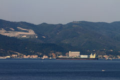 Среднеземноморские побережье и нефтяной танкер Италия savona Стоковая Фотография RF