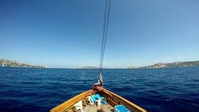 среднеземноморское море sailing сток-видео