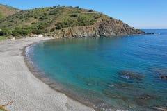 Среднеземноморское Pebble Beach Пиренеи Orientales стоковые изображения