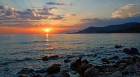 среднеземноморск над заходом солнца моря Стоковые Фото