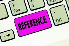 Ссылка текста сочинительства слова Концепция дела для упоминать или упоминать к что-то помин рекомендации стоковое фото rf