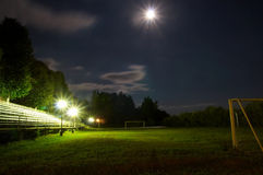стадион футбола ночи Стоковые Изображения