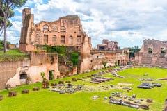 Стадион Palatine - ипподром Domitian Археологические раскопки холма Palatine, Рим, Италия стоковые изображения rf