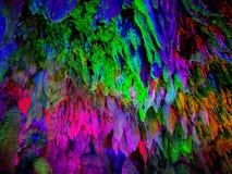Сталактиты в пещере в Jiuxiang, Юньнань, Китае стоковое изображение