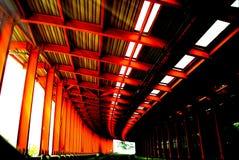 Стальная структура, шоссе, звукоизоляционный экран стоковые фотографии rf