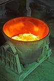сталь металла ведра жидкая, котор нужно транспортировать Стоковые Фотографии RF
