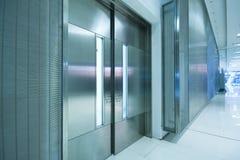 сталь офиса двери большого здания Стоковая Фотография
