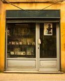 Стамбул, Balat/Турция 30-ое марта 2019, старый альбом и магазин ленты стоковые изображения rf