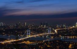 Стамбул на изображении ночи Стоковые Фотографии RF