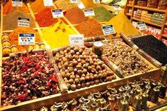 Стамбул, Турция - 22-ое ноября 2014: Магазин травы и специи Стоковое Фото