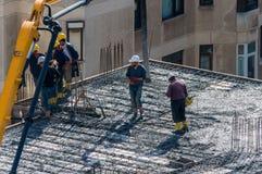 Стамбул, Турция - 11-ое ноября 2016: Рабочий-строители в a Стоковое Изображение