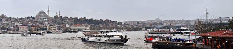 Стамбул, Турция - 23-ье ноября 2014: Взгляд мечети Ahmed султана от стороны Bosphorus Стоковое Изображение RF