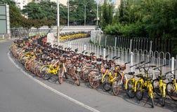 Станция автостоянки велосипеда стоковые изображения rf
