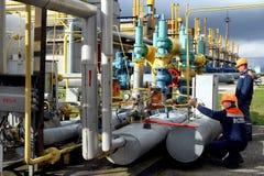 Станция компрессора газа работника тренировки чрезвычайной помощи в c Стоковое Изображение RF