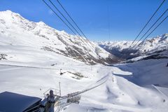 Станция лыжи na górze горы стоковое фото
