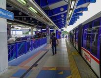 Станция метро в Куалае-Лумпур, Малайзии стоковые фото