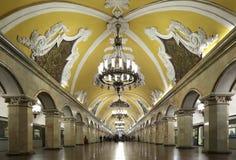 Станция метро Komsomolskaya(линия Koltsevaya) в Москве, России Стоковое Изображение