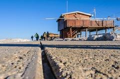 Станция рыбной ловли в запруде Sottomarina, Италии Стоковые Фото