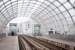 Станция современного дизайна трамвайной линии стоковая фотография
