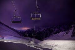 Станция фуникулера на лыжном курорте вечером стоковое фото rf