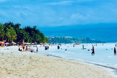Станция 2 Boracay пляжа с белым песком стоковое изображение