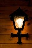 Старая лампа металла на здании Стоковые Изображения