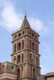 Старая башня крана в городке южной Италии ravello фонтана tivoli Стоковые Фотографии RF