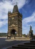 Старая башня моста городка красивая готическая башня Стоковое Изображение