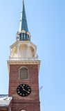 Старая башня с часами кирпича в Бостоне Стоковое Изображение