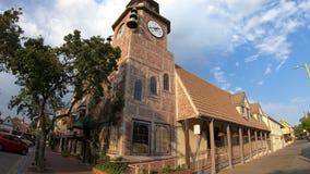 Старая башня с часами мельницы сток-видео