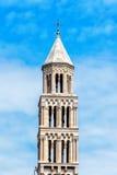 Старая башня церковного колокола в городке разделения старом в Хорватии Стоковое Фото
