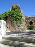 Старая башня церковного колокола с статуей Иисуса в деревне Испании Mijas Стоковая Фотография RF