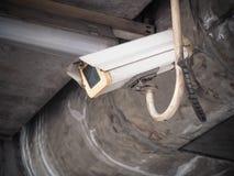 Старая безопасность камеры CCTV в городе Стоковые Фото