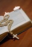 старая библии перекрестная святейшая стоковая фотография