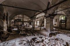 старая бумажная фабрика с сводом Стоковые Изображения