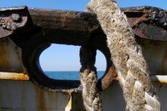Старая веревочка на буксире Стоковые Изображения RF