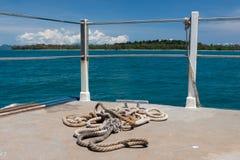 Старая веревочка на палубе сосуда в Таиланде Стоковая Фотография