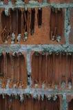 Старая вертикаль кирпичной стены Стоковое Изображение