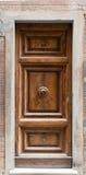 Старая дверь в Лукке Италии Стоковая Фотография