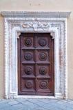 Старая дверь в Лукке Стоковые Изображения
